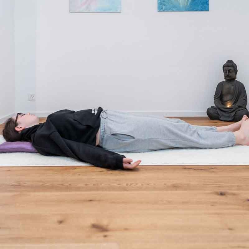 Teenager Yoga Rothenburgn Karin Amrein