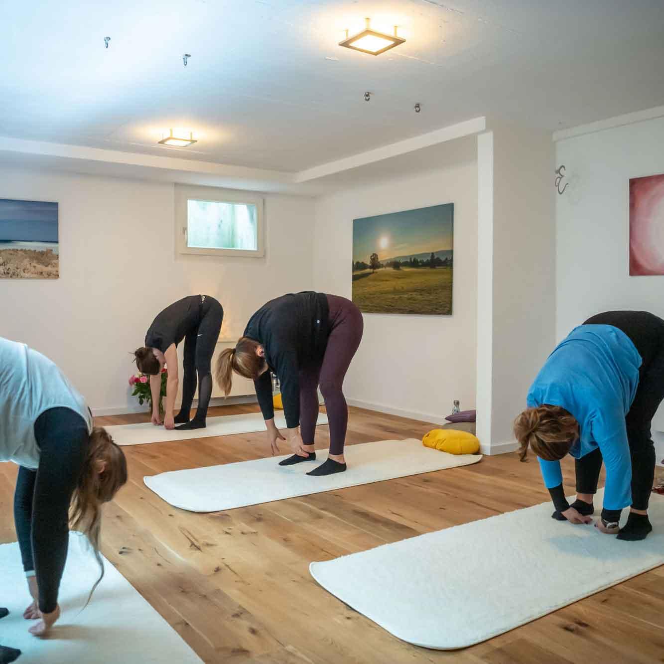 Kleingruppe Yoga Rothenburg Karin Amrein